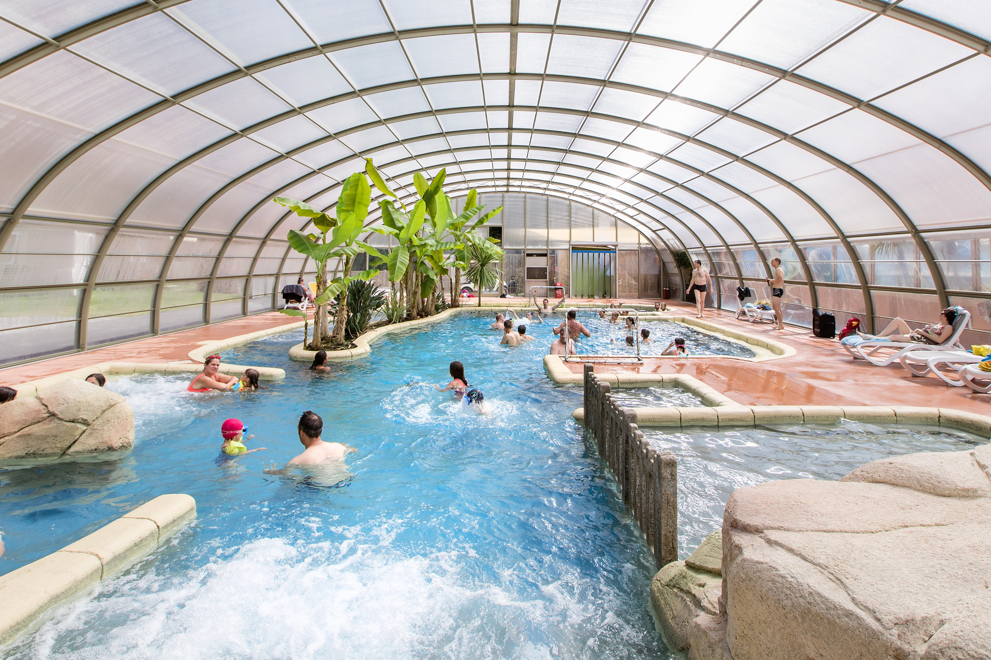 Camping piscine chauff e saint malo complexe aquatique for Camping a paris avec piscine